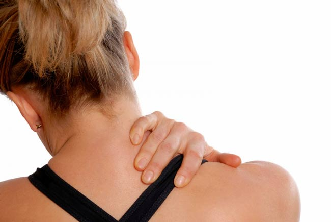 болит-шея-при-остеохондрозе-