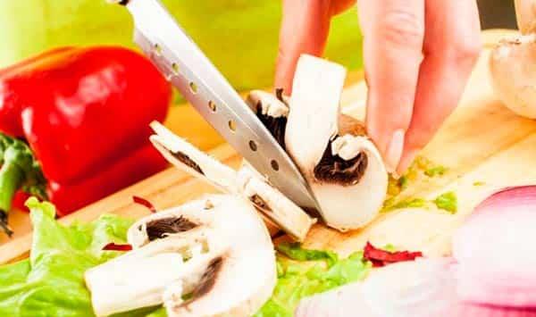 нарезка-грибов-для-засолки