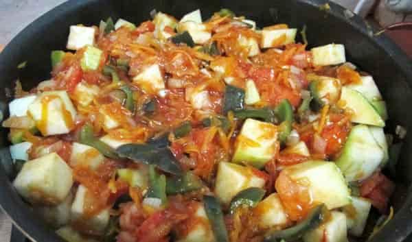тушим-кабачки-для-салат