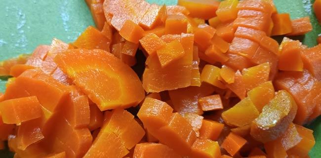 нарезаем-морковь