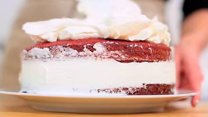 покрываем-торт-кремом
