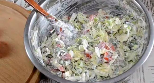 салат-из-помидор-и-огурцов-с-капустой