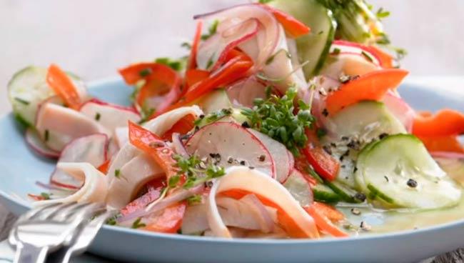 салат-с-редисом-и-колбасой