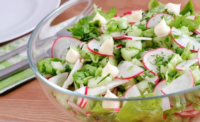 salatka-ogorkowa-z-rzodkiewka