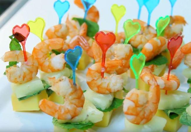 канапе-с-креветкам-и-ананасом