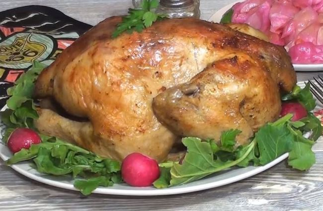 курица-жареная-целиком-готова