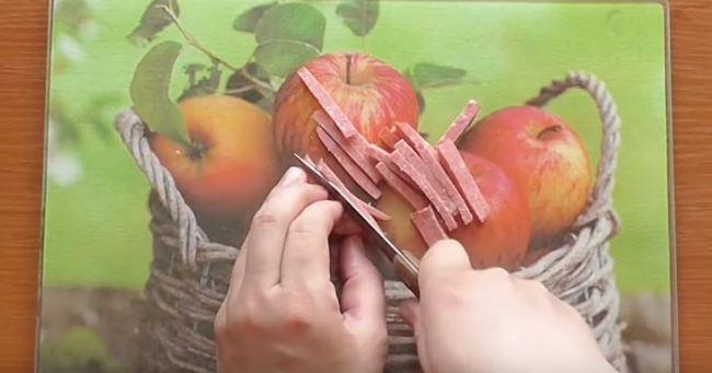 нарезаем-колбасу