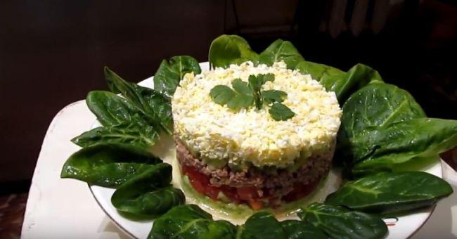 салат-авокадо-с-тунцом