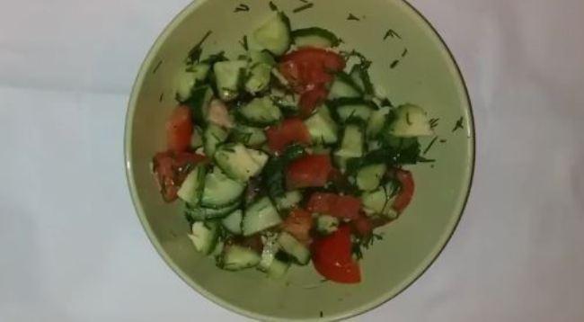 салат-из-овощей-и-авокадо