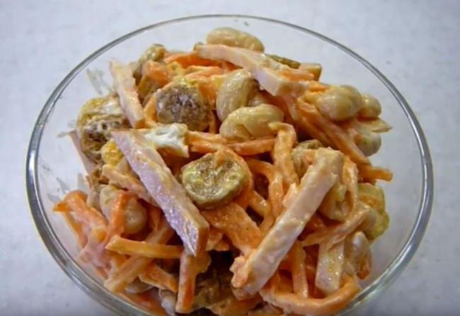 салат-с-фасолью-и-колбасой