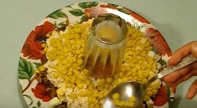 выкладываем-салат-слоями