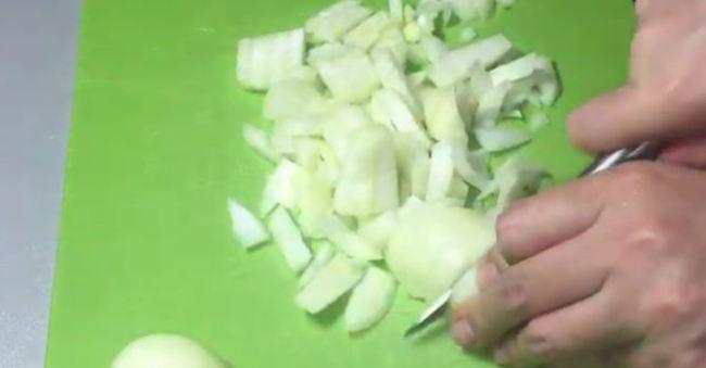нарезать-лук