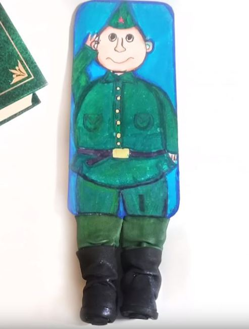 открытка-солдат