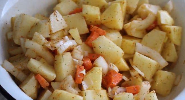 картофель-и-овощи-смешиваем