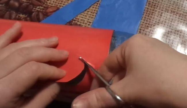 обклеиваем-цветной-бумагой