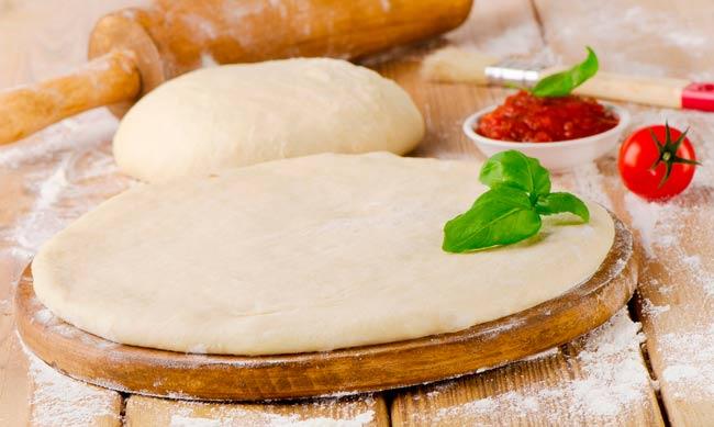 тесто-для-пиццы-в-домашних-условиях