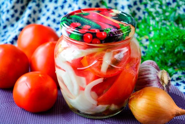 маринованные-помидоры-быстрого-приготовления
