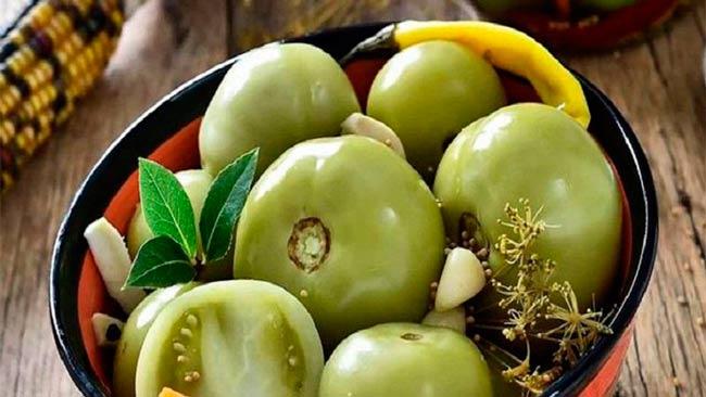 зеленые-малосольные-помидоры