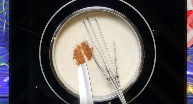 добавляем-молоко-и-специи