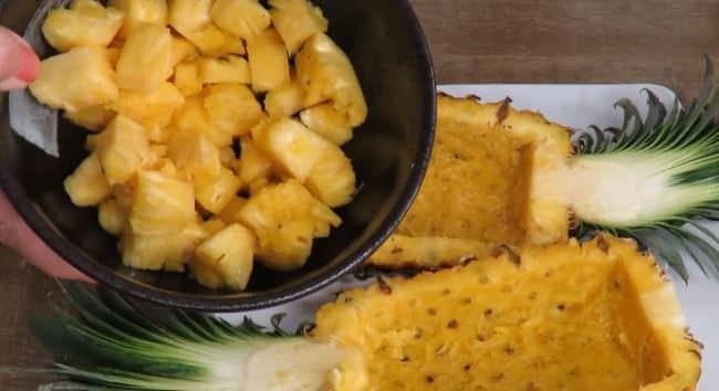 нарезать-ананас-кубиками