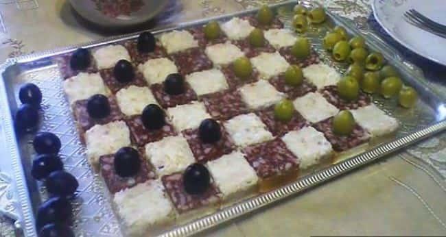 закуска-шахматная-доска