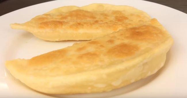 чебуреки-с-зеленью-и-сыром
