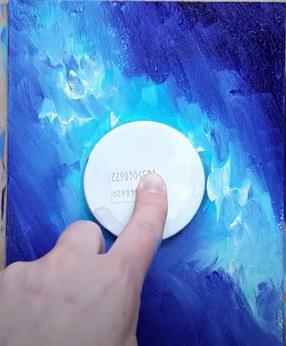 рисуем голубой фон