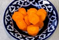 морковка в тарелке