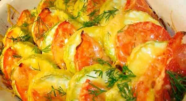 запеченные-кабачки-с-помидорами-в-духовке