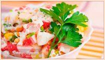 Салаты из крабовых палочек— классические рецепты с кукурузой, сухариками, сыром