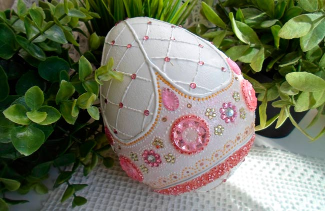 яйцо-из-папье-маше