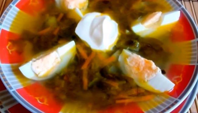 щавелевый-суп-с-яйцом