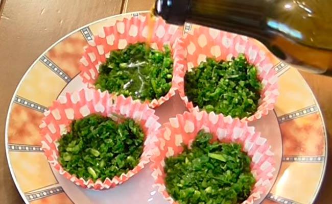 заливаем-зелень-маслом