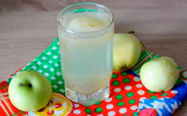 компот-из-ревеня-и-яблок