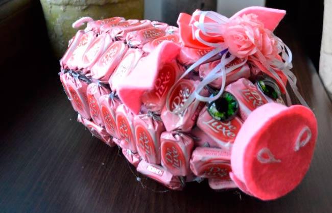 хрюшка-с-конфетами