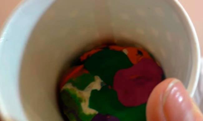 пластилин-на-дне-стакана