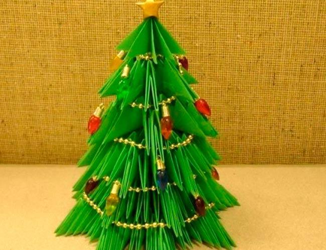елка-из-треугольников