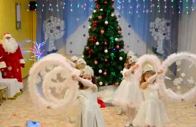 танец-снежинок