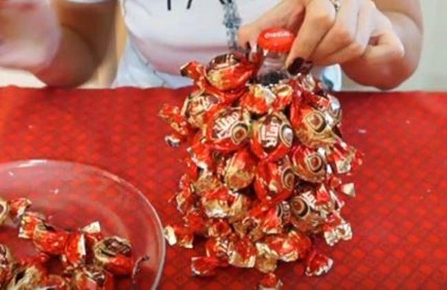 елка-из-газировки-и-конфет