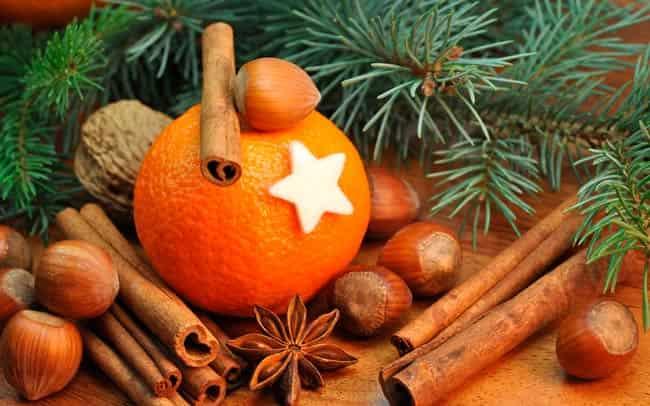 oboi-elka-mandariny