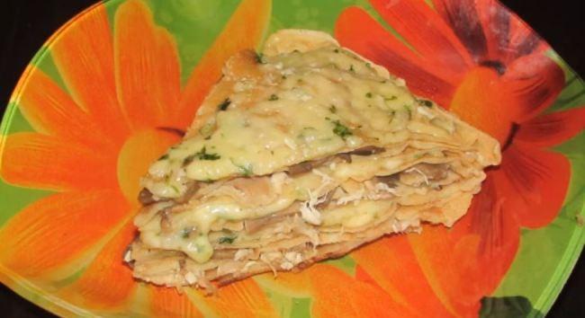 блинный-пирог-с-сыром