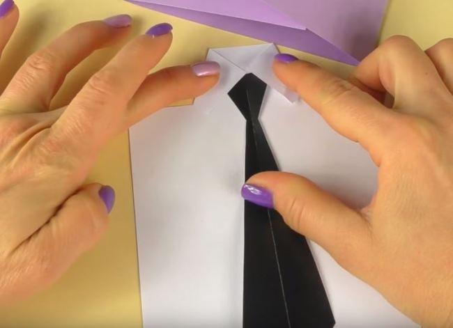 крепим-галстук-к-рубашке