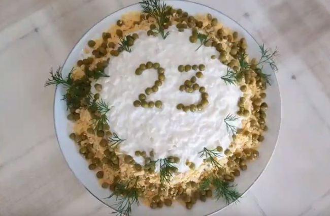 салат-на-23-февраля-с-куриной-грудкой