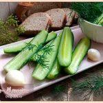 малосольные-огурцы-с-чесноком-и-зеленью