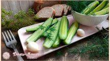 Быстрый рецепт малосольных огурцов с чесноком и зеленью в рассоле