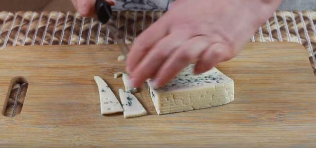 тонко-нарезать-сыр
