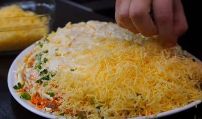 украсить-сыром