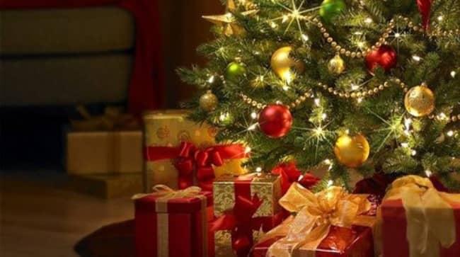елка-с-подарками