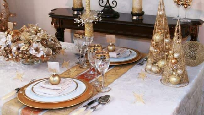 новогодний-стол-золото