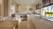 Как отделать и обустроить кухню: полезные советы по выбору гарнитуры